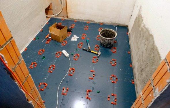 укладка плитки с свп в ванной