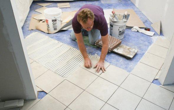 Укладка керамической плитки на